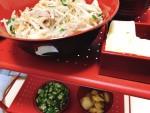 野菜炒めと豆腐とオクラとジャガイモ炒めたやつ